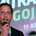 <p> Sau khi hoàn thành chương trình MBA tại Harvard, Makarim làm việc cho một số startup khác để có thêm thu nhập. Anh từng có 10 tháng đảm nhiệm vị trí giám đốc điều hành cho Zalora Indonesia và một năm làm giám đốc sáng tạo cho Kartutu, một công ty chuyên về thanh toán. Những người bạn thân thiết khuyên Makarim nên tập trung toàn thời gian cho Go-Jek. (Ảnh: <em>Nikkei</em>).</p>