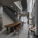 <p> Với màu sắc trung tính, ngôi nhà mang lại cảm giác thoáng mát, sang trọng, hiện đại. </p>