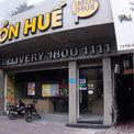 <p> Bên trong cửa hàng trên phố Bà Triệu và Phố Huế. Người dân xung quanh cho biết, cửa hàng đã dừng hoạt động hơn 1 tuần qua.</p>