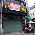 """<p> Tình trạng tương tự diễn ra tại cửa hàng cao 5 tầng tại vị trí """"vàng"""" trên phố Tràng Thi.</p>"""