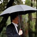 <p> Thái tử Akishino là em trai duy nhất của Nhật hoàng Naruhito. Ông trở thành người đứng đầu danh sách kế vị sau khi anh trai lên ngôi và con trai ông, Hoàng tử Hisahito, là người thứ hai trong danh sách này, do Nhật hoàng Naruhito không có con trai.</p>