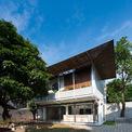 <p> Trên khu đất hình chữ L ở Thái Nguyên, cặp vợ chồng 9X muốn xây dựng không gian sống yên tĩnh, hiện đại, nhiều cây xanh.</p>