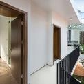 <p> Phòng ngủ ở tầng 2 được kết nối với phòng làm việc. Ở tầng 2, 2 khối không gian tưởng như riêng rẽ được kết nối làm một.</p>