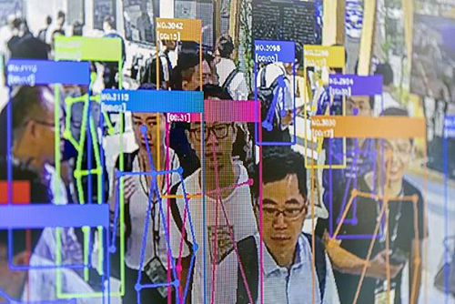 Hệ thống camera nhận diện khuôn mặt có khắp các thành phố ở Trung Quốc. Ảnh: SCMP.