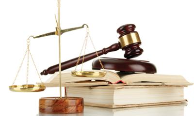 Hàng loạt cá nhân và tổ chức bị UBCKNN xử phạt