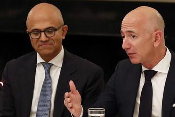 Microsoft 'nẫng tay trên' hợp đồng 10 tỷ USD của Amazon