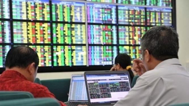 Thị trường CW phân hóa trở lại, CHPG1906 giảm 36,4%