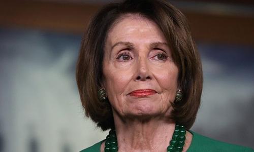 Chủ tịch Hạ viện Mỹ Nancy Pelosi tại họp báo ở Washington ngày 15/10. Ảnh: Reuters.