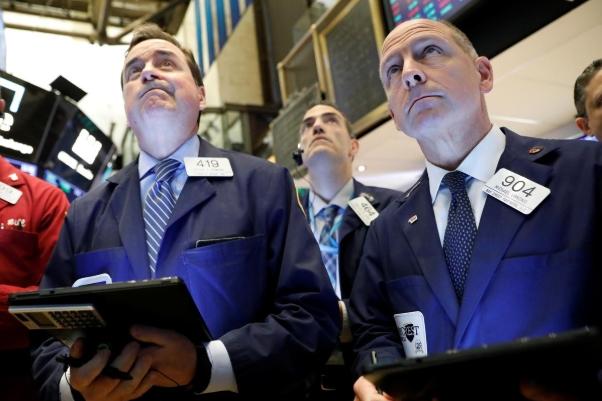 Kỳ vọng Fed hạ lãi suất, Phố Wall tăng điểm, S&P 500 lập đỉnh lịch sử