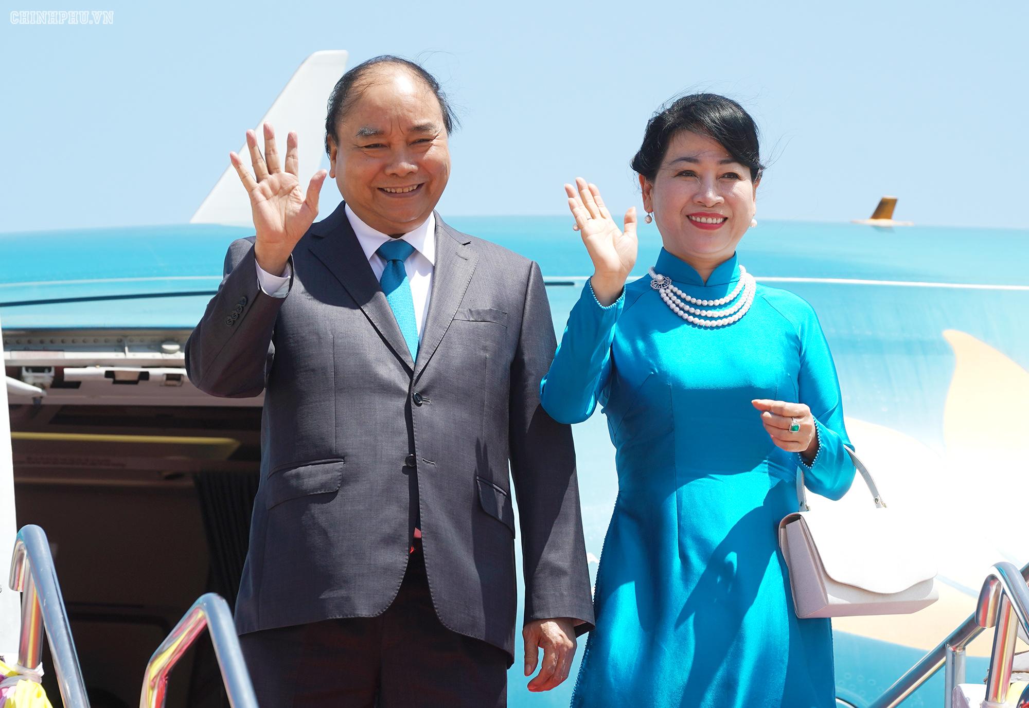 Thủ tướng và Phu nhân dự Hội nghị Cấp cao ASEAN lần thứ 35 tại Thái Lan
