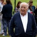"""<p class=""""Normal""""> <strong>2.<span> </span>Amancio Ortega bỏ học năm 14 tuổi để làm thuê cho các cửa hàng địa phương</strong></p> <p class=""""Normal""""> Nhiều năm sau, Ortega thành lập chuỗi bán lẻ Zara tại quê nhà Tây Ban Nha và mở rộng trên toàn cầu. Ngày nay, ông là người giàu thứ hai ở châu Âu (chỉ sau Chủ tịch và Giám đốc điều hành LVMH, Bernard Arnault), với tài sản ròng 70,4 tỷ USD. (Ảnh: <em>AP Photo</em>)</p>"""