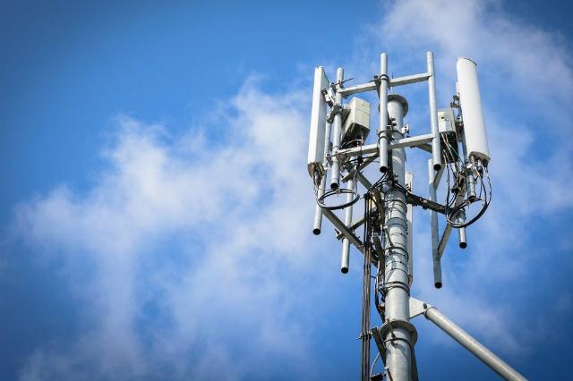 Đại diện Vinsmart cho biết công ty này đã nghiên cứu và cũng sẽ sản xuất các hệ thống thiết bị 5G. Dự kiến Vinsmart sẽ phát triển các trạm thu phát sóng 5G và đến tháng 12/2020 có thể thử nghiệm được trạm thu phát sóng 5G đầu tiên.