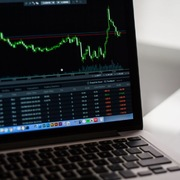 VGC, SCS, GMD, GMC, AAM, PPE, TJC, C71: Thông tin giao dịch cổ phiếu
