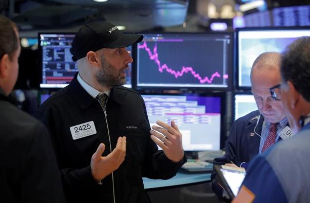 Phố Wall giảm điểm, S&P 500 mất đỉnh lịch sử, kết thúc đợt tăng 4 ngày liên tiếp