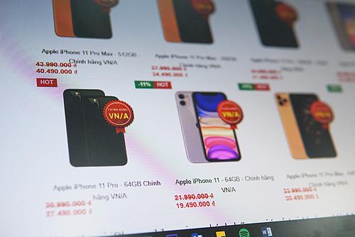 Nhiều đại lý giảm giá cho bộ ba iPhone 11từ 2,5 đến3,5 triệu đồng.