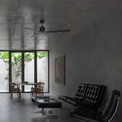 <p> Phòng khách và phòng ăn được bố trí dọc theo chiều sâu ngôi nhà.</p>