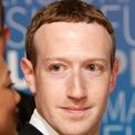 """<p class=""""Normal""""> <strong>3.<span> </span>Mark Zuckerberg</strong></p> <p class=""""Normal""""> Tài sản: 72,7 tỷ USD</p> <p class=""""Normal""""> Tăng/giảm so với đầu năm: 20,7 tỷ USD</p> <p class=""""Normal""""> Dù Facebook và Mark Zuckerberg phải hứng chịu không ít chỉ trích trong thời gian qua, tài sản của CEO mạng xã hội lớn nhất thế giới vẫn tăng gần 21 tỷ USD. (Ảnh:<em> Getty</em>)</p>"""