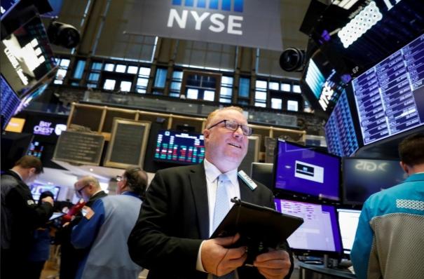 S&P 500 lập đỉnh lịch sử mới sau khi Fed hạ lãi suất