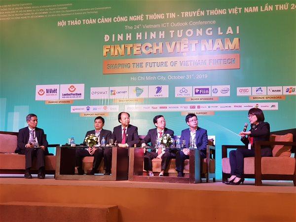 Định hình fintech là câu chuyện đòi hỏi sự hợp sức của cơ quan quản lý, các ngân hàng và cả thị trường. Ảnh: V.D.