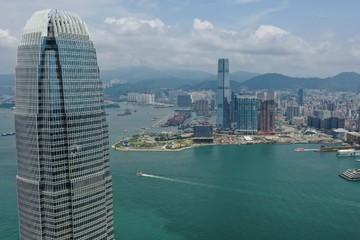 Kinh tế Hong Kong đối mặt tương lai u ám sau khi rơi vào suy thoái
