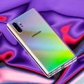 """<p class=""""Normal""""> <strong>8.<span> </span>Samsung Galaxy Note 10 Plus</strong></p> <p class=""""Normal""""> Giá khởi điểm: 1.100 USD</p> <p class=""""Normal""""> <strong>Điểm cộng</strong>: Thiết kế đẹp; Dung lượng pin lớn, hỗ trợ sạc nhanh 45W; Có thể chuyển đổi ghi chú viết tay sang chữ viết dạng văn bản.</p> <p class=""""Normal""""> <strong>Điểm người dùng có thể không thích</strong>: Cảm biến vân tay dưới màn hình chậm; Kích thước máy có thể quá lớn với một số người. (Ảnh:<em>BI</em>)</p>"""