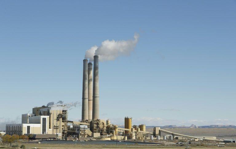 Lo doanh nghiệp bị bất lợi, Mỹ bắt đầu rút khỏi hiệp định khí hậu toàn cầu