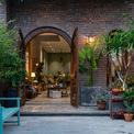 <p> Nhà nằm trên đường Mạc Đăng Dũng, dự án nhà ở Nhà của Cội thuộc khu đô thị mới Hòa Xuân, Cẩm Lê, Đà Nẵng với tổng diện tích 230 m2. </p>