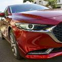 <p> Các tính năng an toàn ở Mazda3 mới bao gồm: 7 túi khí, hệ thống phanh ABS - BA - EBD, hệ thống Cân bằng điện tử DSC, hệ thống Kiểm soát lực kéo chống trượt TSC, Hỗ trợ khởi hành ngang dốc HLA, phanh tay điện tử, camera lùi và cảm biến va chạm.</p>