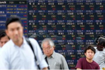 Chứng khoán châu Á rời đỉnh 6 tháng