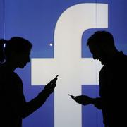 Facebook vẫn làm lộ dữ liệu người dùng