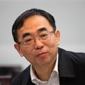 """<p class=""""Normal""""> <strong>4.<span> </span>Sun Piaoyang, Chủ tịch Jiangsu Hengrui Medicine</strong></p> <p class=""""Normal""""> Tài sản ròng 2019: 25,8 tỷ USD</p> <p class=""""Normal""""> Xếp hạng 2018: Không nằm trong top 10</p> <p class=""""Normal""""> Sun Piaoyang là người đứng đầu công ty dược phẩm Jiangsu Hengrui Medicine. Vợ của ông, Zhong Huijuan cũng là một nữ tỷ phú nổi tiếng của ngành dược. (Ảnh: <em>Imagine China</em>)</p>"""