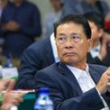 """<p class=""""Normal""""> <strong>6.<span> </span>He Xiangjian, nhà sáng lập Midea Group</strong></p> <p class=""""Normal""""> Tài sản ròng 2019: 23,2 tỷ USD</p> <p class=""""Normal""""> Xếp hạng 2018: 5</p> <p class=""""Normal""""> He Xiangjian là người phát triển Midea Group trở thành một trong những công ty sản xuất thiết bị gia dụng lớn nhất thế giới. (Ảnh: <em>VCG</em>)</p>"""