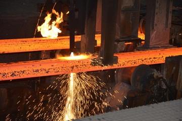 Hòa Phát đẩy mạnh thị trường miền Nam, sản lượng bán thép tháng 10 vẫn giảm