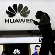 Kiểm tra 100% điện thoại Huawei, Xiaomi nghi cài cắm 'đường lưỡi bò'