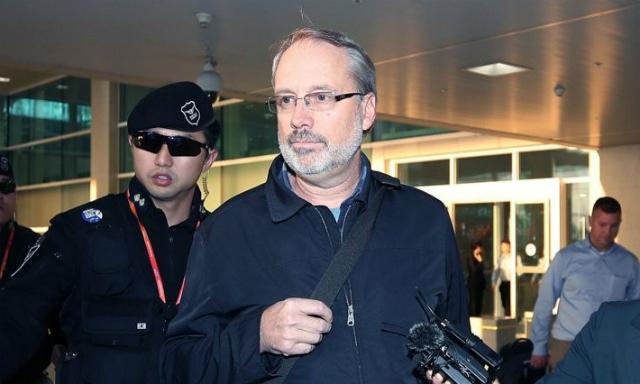 Cố vấn DeHart tới Seoul hôm 5/11. Ảnh: Yonhap.