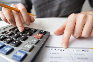 Cùng một cấp bậc và công việc, lương sếp ngành tiêu dùng cao gấp 4 lần ngành dịch vụ khách sạn