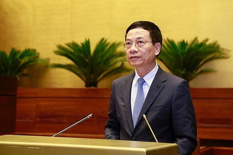 Bộ trưởng Nguyễn Mạnh Hùng lần đầu trả lời chất vấn tại Quốc hội
