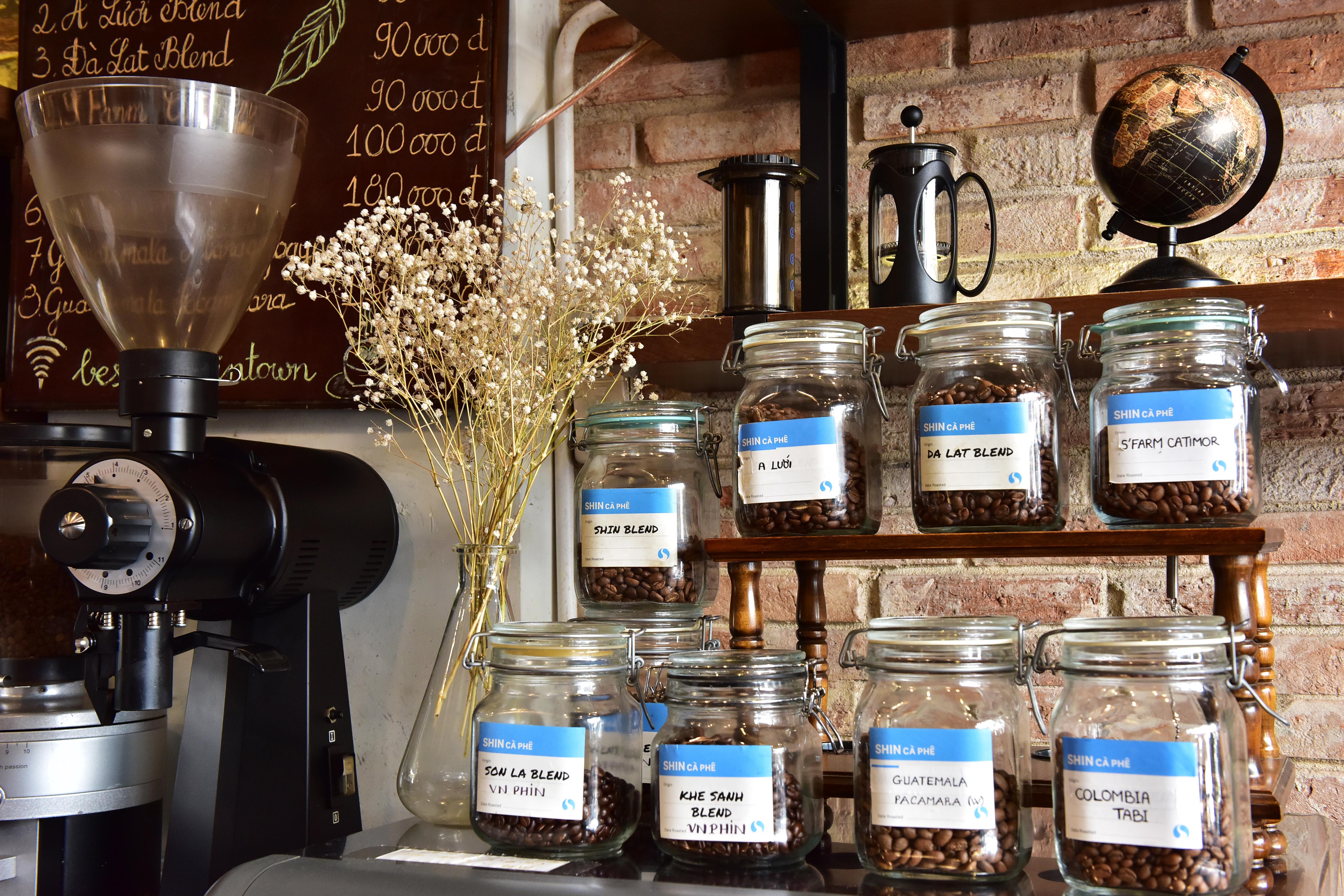 Tập đoàn PAN mua Shin Cà phê