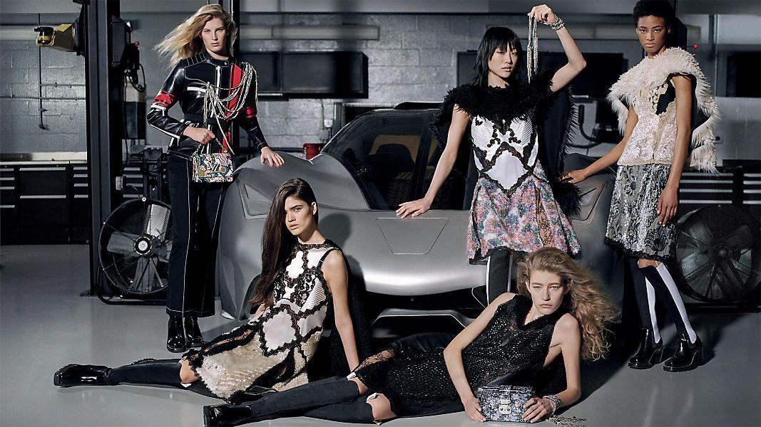 Nữ đại gia Trung Quốc vung tiền cho thời trang công sở xa xỉ