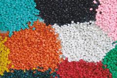 Doanh nghiệp kiến nghị chưa tăng thuế nhập khẩu hạt nhựa lên 5%