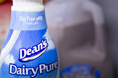 Nhà sản xuất sữa lớn nhất Mỹ xin phá sản