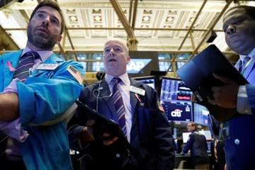 Cổ phiếu Disney 'nhảy vọt', đưa Dow Jones, S&P 500 lên đỉnh mới