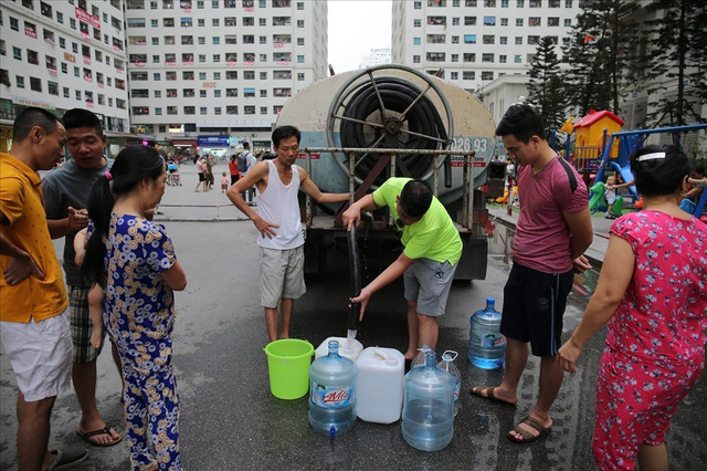 Sự cố nước sông Đà: Viwaco nói gì về yêu cầu bồi thường gần nửa tỷ của dân?