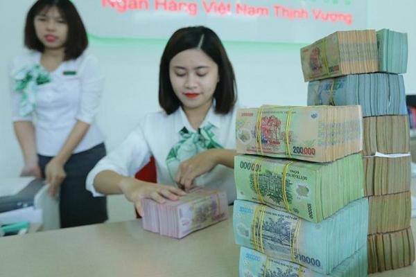 Cạnh tranh cho vay, ngân hàng chủ động giảm lãi suất
