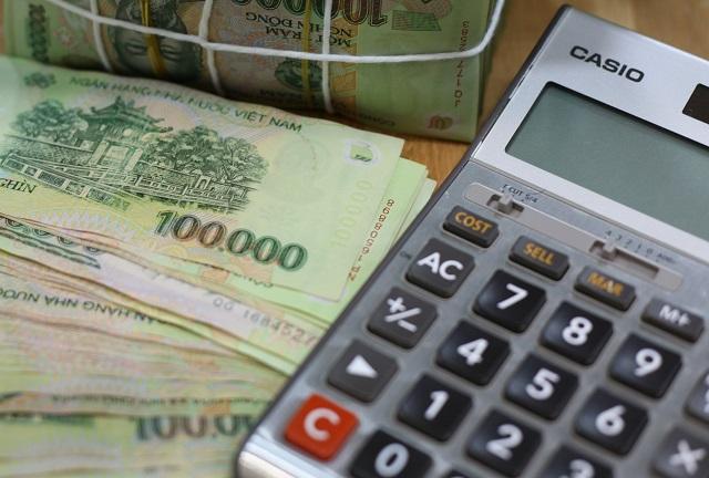 Nhiều ngân hàng giảm lãi suất sau đợt tăng từ tháng 8. Ảnh: L.H