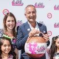 """<p> Isaac Larian, 65 tuổi, CEO của hãng sản xuất đồ chơi MGA Entertainment cũng bị """"đá"""" khỏi danh sách tỷ phú của Forbes. Năm 2018, ông sở hữu tài sản 1,1 tỷ USD. (Ảnh: <em>AP</em>)</p>"""