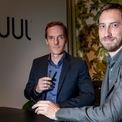 <p> Hai nhà sáng lập của công ty thuốc lá điện tử Juul là Adam Bowen và James Monsees trở thành tỷ phú hồi đầu năm 2019. Tuy nhiên, tài sản của 2 người sụt giảm sau khi một trong những nhà đầu tư lớn nhất hạ giá công ty. Hiện mỗi người sở hữu tài sản khoảng 900 triệu USD. (Ảnh: <em>Getty Images</em>)</p>