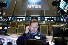 Lĩnh vực bán lẻ gây sức ép, Dow Jones, S&P 500 mất đỉnh lịch sử