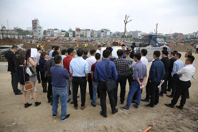 Công trường đang thi công dự án Hoàng Huy Mall (Cầu Rào 2, Hải Phòng).