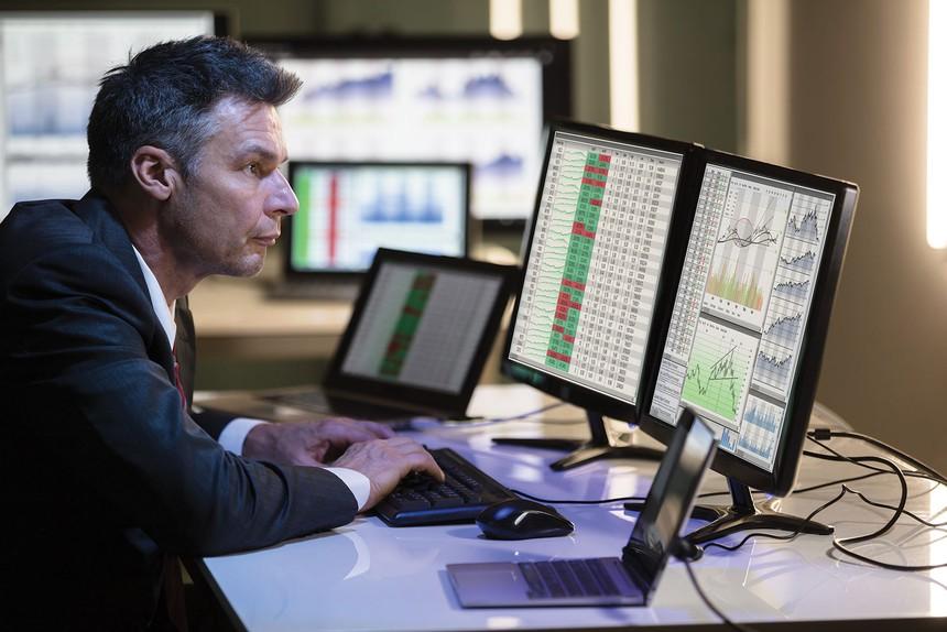 Khối ngoại bán ròng 470 tỷ đồng trong tuần VN-Index giảm hơn 3%
